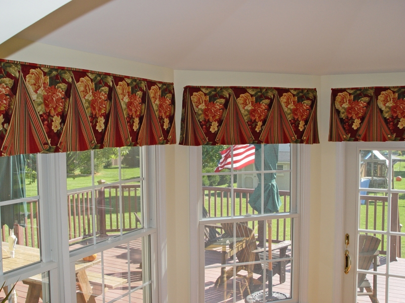 Bucks County valances for bay windows