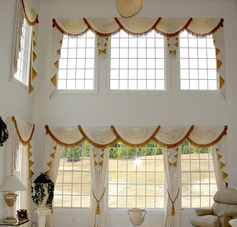 Bay window valances in Bucks County